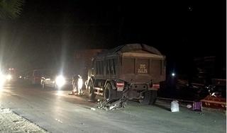 Đối đầu với xe tải, người đàn ông quê Nghệ An bị cán tử vong