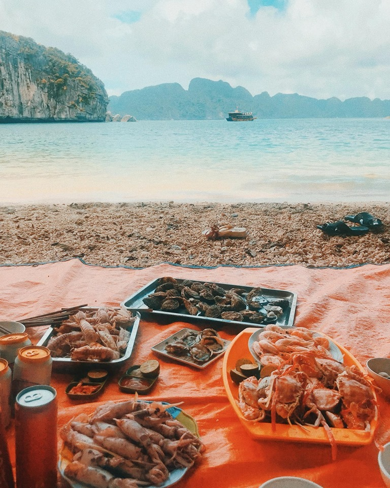 Kinh nghiệm du lịch vịnh Lan Hạ - biển xanh cát trắng ngay gần Hà Nội