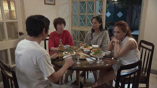 Xem trực tiếp Về nhà đi con tập 55 trên kênh VTV1: Thư bực tức khi Vũ không gọi điện hỏi thăm