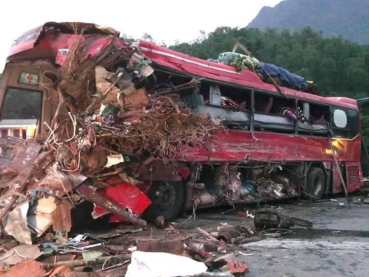 Nhà xe vụ tai nạn thảm khốc khiến 41 người thương vong ở Hòa Bình bị phạt?
