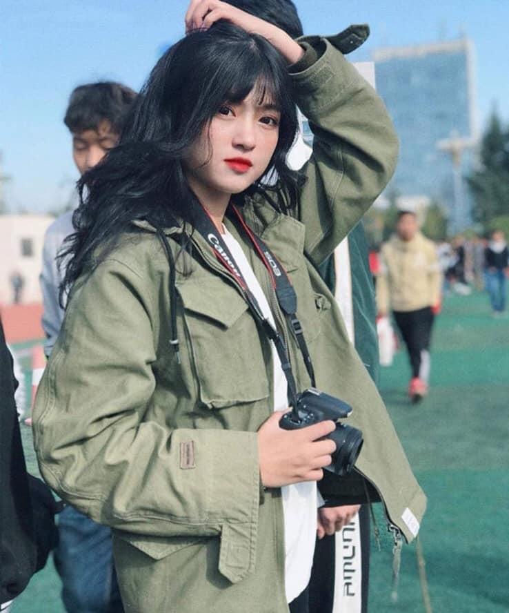 CLIP: Thiếu nữ xinh đẹp cover 'Để Mị nói cho mà nghe' đốn tim dân mạng