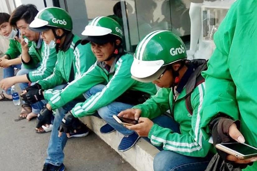 Phẫn nộ vì nữ hành khách buông lời miệt thị Grabbike như 'ăn mày xã hội'