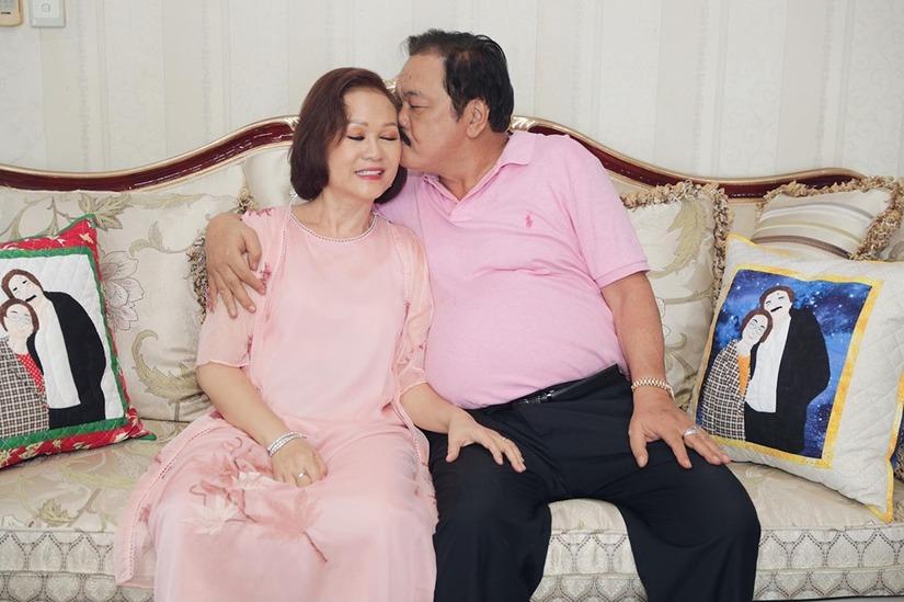 CLIP: Phút tâm sự thật lòng của vợ chồng ông chủ Tân Hiệp Phát sau 40 năm bên nhau