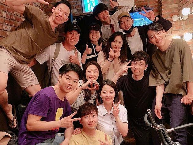 Sự thật bức ảnh Song Joong Ki xuất hiện sau tuyên bố ly hôn