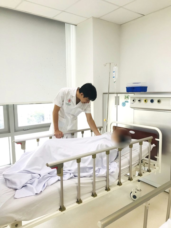 Bệnh nhân bị đột quỵ vì tập luyện theo Giáo phái lạ
