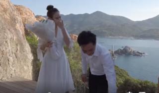 Clip: Cường Đô la ngọt ngào cầu hôn Đàm Thu Trang bên bờ biển