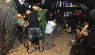 Bắt quả tang hàng chục nam nữ có biểu hiện 'phê' ma túy trong quán Karaoke