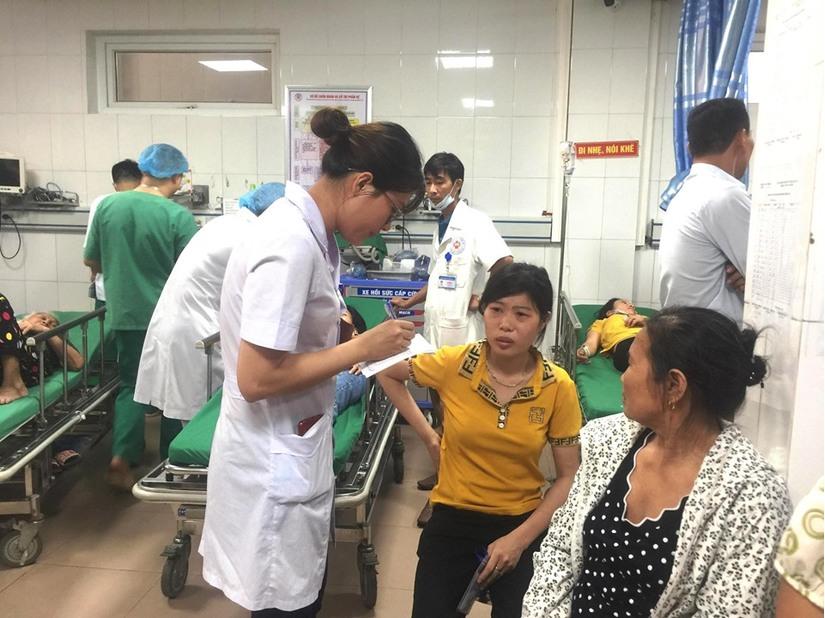 Nghệ An: Các nạn nhân vụ lật xe trên cầu Yên Xuân giờ ra sao 2