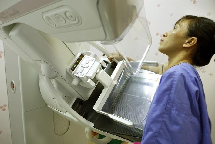 Cô gái 29 tuổi chưa chồng sốc nặng khi biết mình bị ung thư vú 2