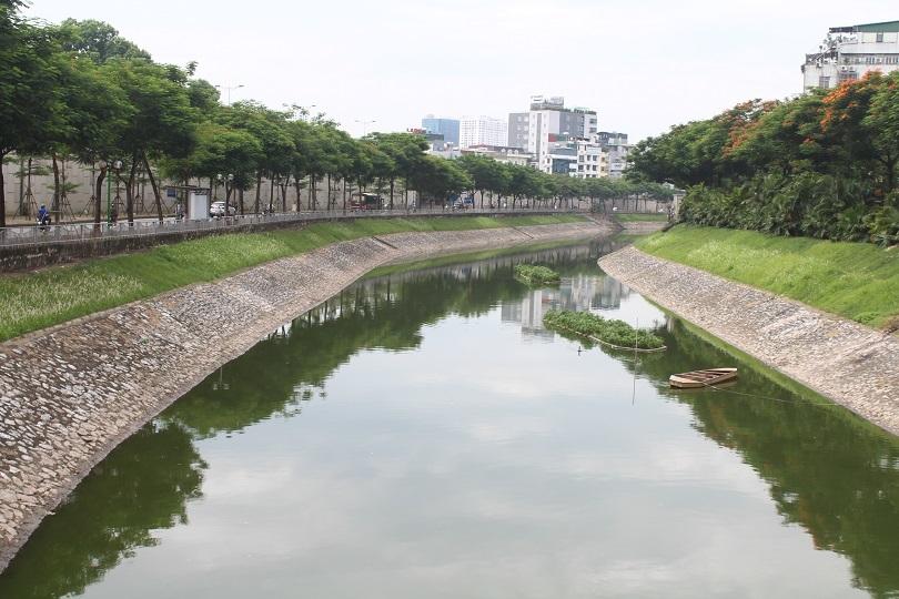 Sông Tô Lịch xanh ngắt nhờ nguồn nước từ hồ Tây