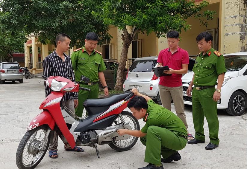 Hà Nam: Bắt giữ đối tượng nghiện ma túy trộm cắp xe máy