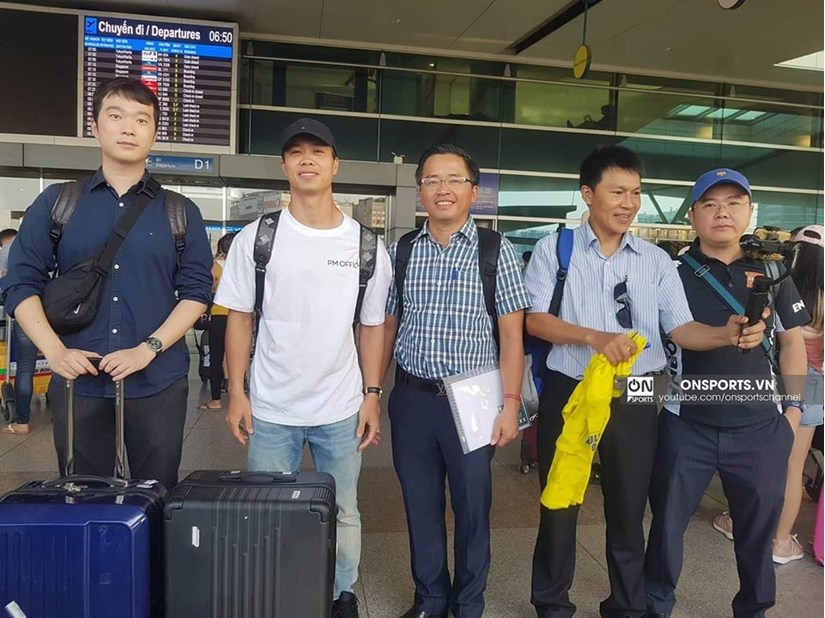 Tiền đạo Công Phượng chính thức chia tay Việt Nam lên đường sang Bỉ thi đấu