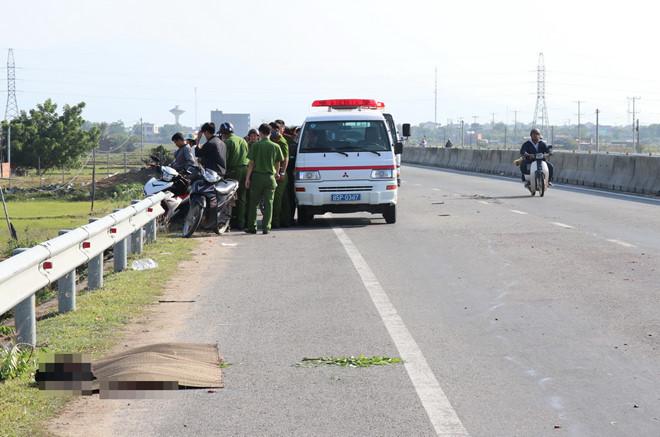 Truy tìm tài xế gây tai nạn, bỏ mặc thi thể nạn nhân không nguyên vẹn bên đường