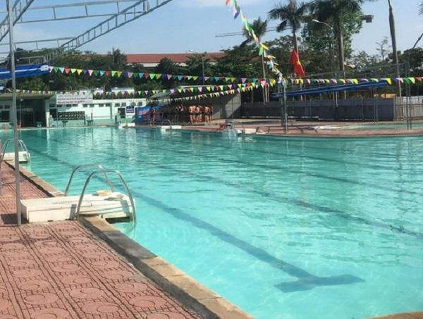 Quảng Ninh: Đuối nước khi đi tắm ở bể bơi, 2 học sinh thương vong