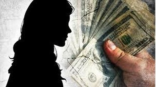 Bé gái 14 tuổi bị thanh niên bán cho quán karaoke với giá 3 triệu đồng