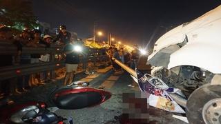 Gia đình đi ăn cưới về bị xe container tông, bé 4 tuổi chết thương tâm