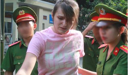 Cô gái xinh đẹp người Nga cầm đầu đường dây bán dâm 15 triệu lĩnh án
