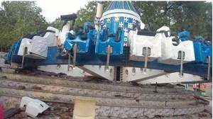 Trục đu quay tại khu vui chơi gãy đôi, 2 người chết, 27 người bị thương