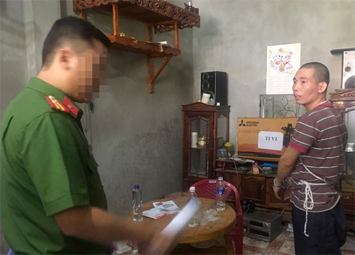 Cận mặt nghi can Lường Văn Lả khi thực nghiệm vụ nữ sinh giao gà ở Điện Biên