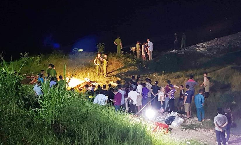 Hiện trường vụ đuối nước 4 người tử vong. Ảnh báo Phú Thọ.