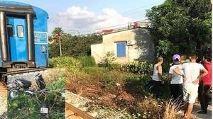 Băng qua đường sắt thiếu quan sát, 2 nữ sinh bị tàu hỏa tông tử vong