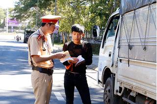 Nam Định ra quân tổng kiểm tra, xử phạt hàng trăm phương tiện giao thông