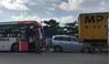 Đâm liên hoàn, xe giường nằm và xe tải kẹp nát ô tô 7 chỗ ở dốc Thiên Thu