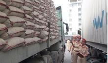 Truy tìm tài xế container chở quá tải 200% còn chửi bới, lao xe vào CSGT rồi bỏ chạy