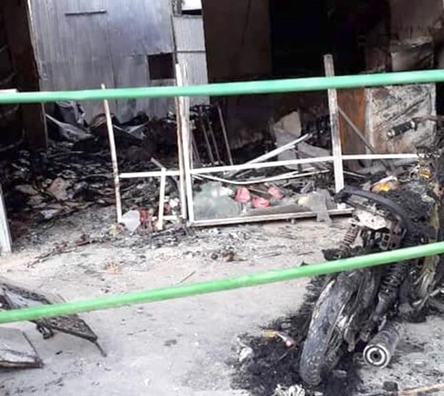 Nghệ An: Mẹ đơn thân bị ném bom xăng đốt cửa hàng làm bỏng kín 2 chân