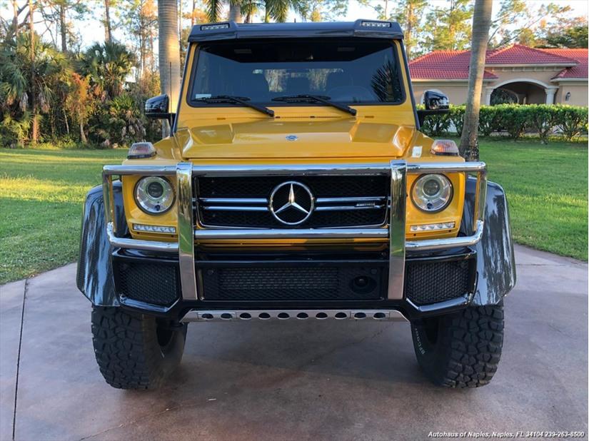 Đại gia mạnh tay chi 47 tỷ tậu quái vật 6 bánh Mercedes AMG G63 6x6 3