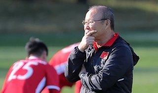 Lãnh đạo VFF mang tin buồn tới thầy trò HLV Park Hang Seo