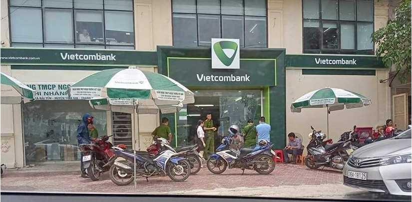 Kẻ bịt mặt nổ súng cướp ngân hàng ở Thanh Hóa, bảo vệ trúng đạn bị thương