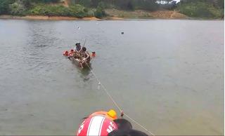 Tìm thấy thi thể 3 thanh niên đuối nước do lật xuồng câu cá sau 1 ngày