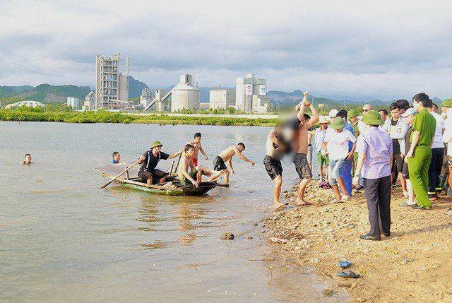 Tắm sông cùng bố, bé trai 12 ở Quảng Ninh đuối nước thương tâm