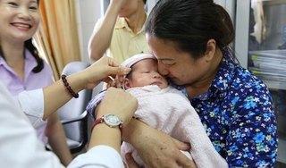 Bé trai mới sinh được 2 ngày bị mẹ ruột bỏ rơi tại bệnh viện