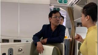 Tiếp tục bị tố sàm sỡ tiếp viên trưởng, khách thương gia có bị cấm bay?