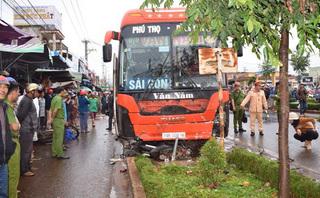 Diễn biến mới vụ xe khách lao vào chợ ven đường tông chết 4 người
