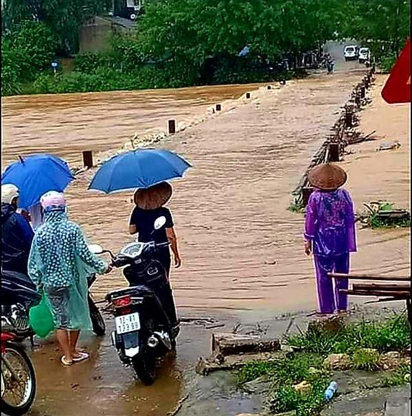 Lạng Sơn: Mưa lớn gây ngập cầu, nhiều thôn bản bị cô lập2