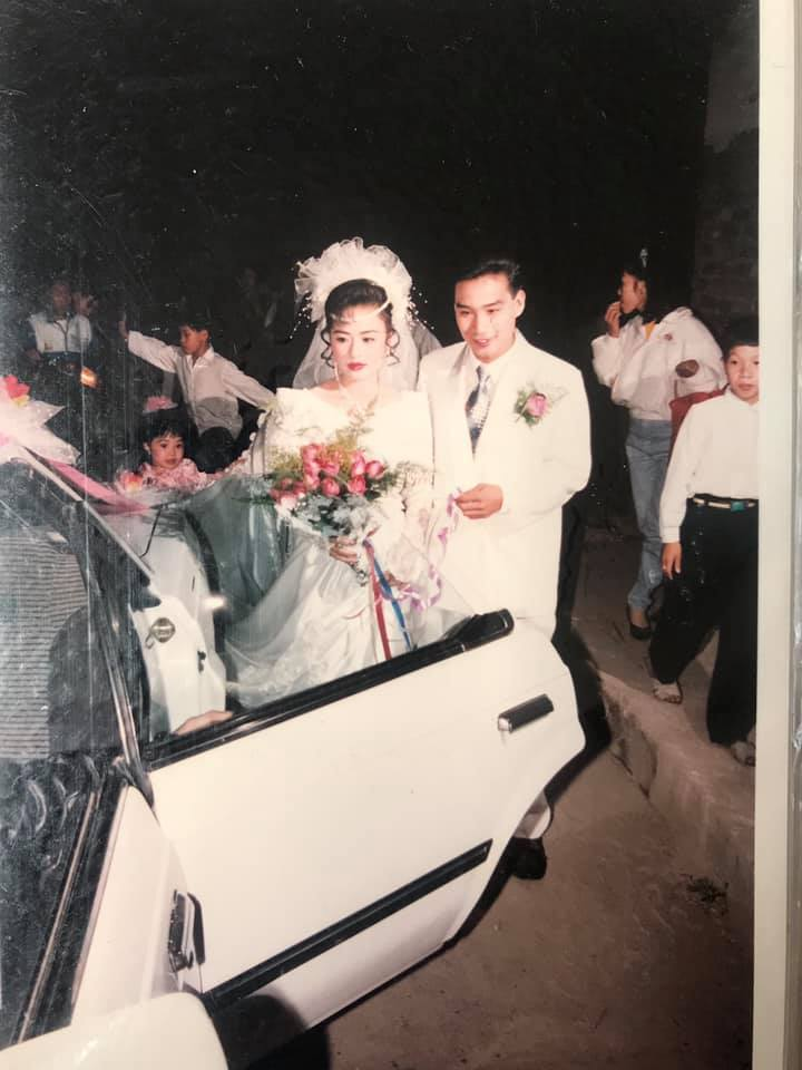 Dân mạng choáng váng vì đám cưới siêu khủng cách đây 25 năm