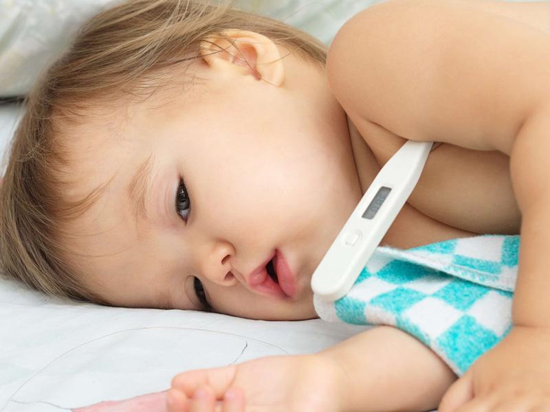 trẻ sốt cao nên đo nhiệt độ như nào