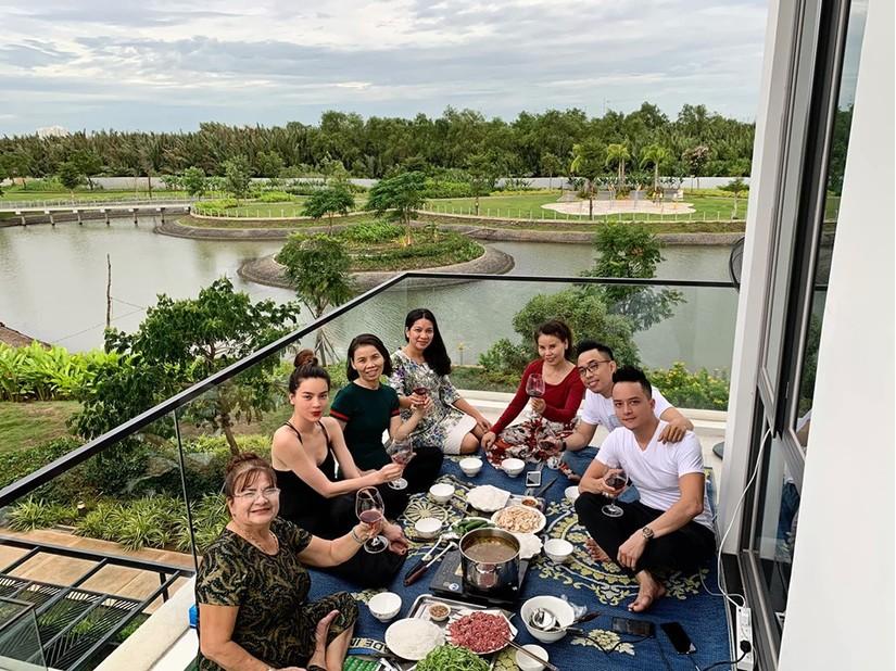 Hồ Ngọc Hà tậu thêm biệt thự sang làm hàng xóm nhà Cao Thái Sơn