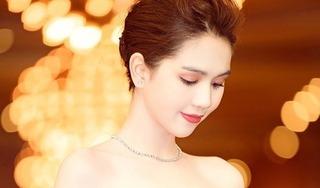 Ngọc Trinh diện váy cắt xẻ sâu táo bạo khoe dáng nuột nà