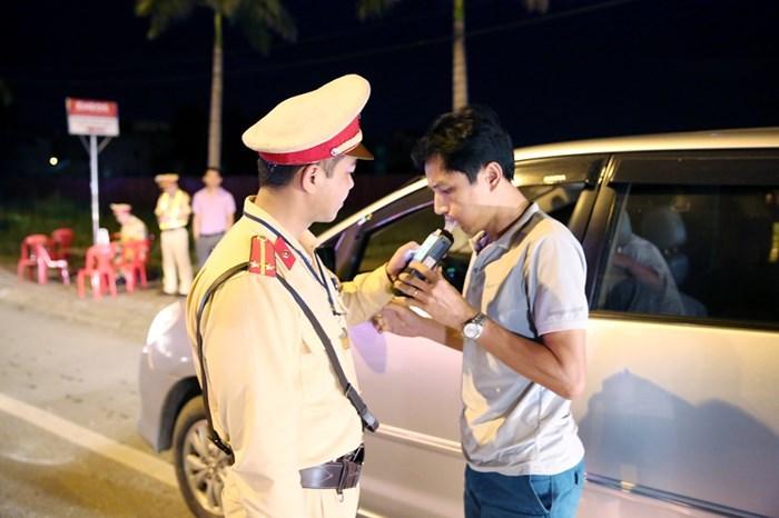 Cứ uống rượu bia lái xe là bị phạt bất kể ngưỡng nào