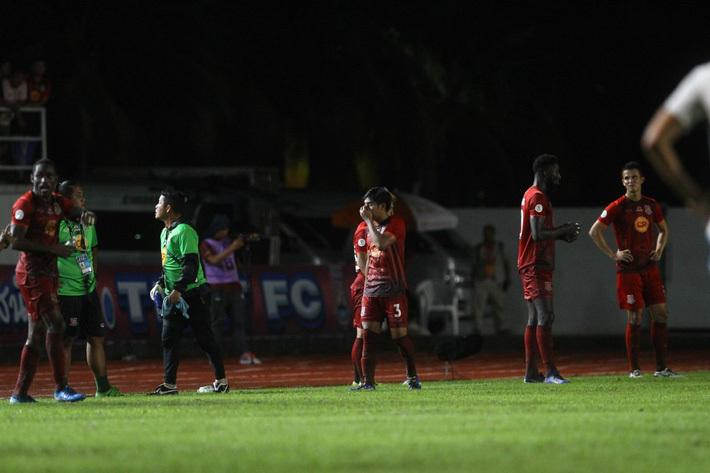 Thai League xảy ra sự cố khiến người hâm mộ ngao ngán