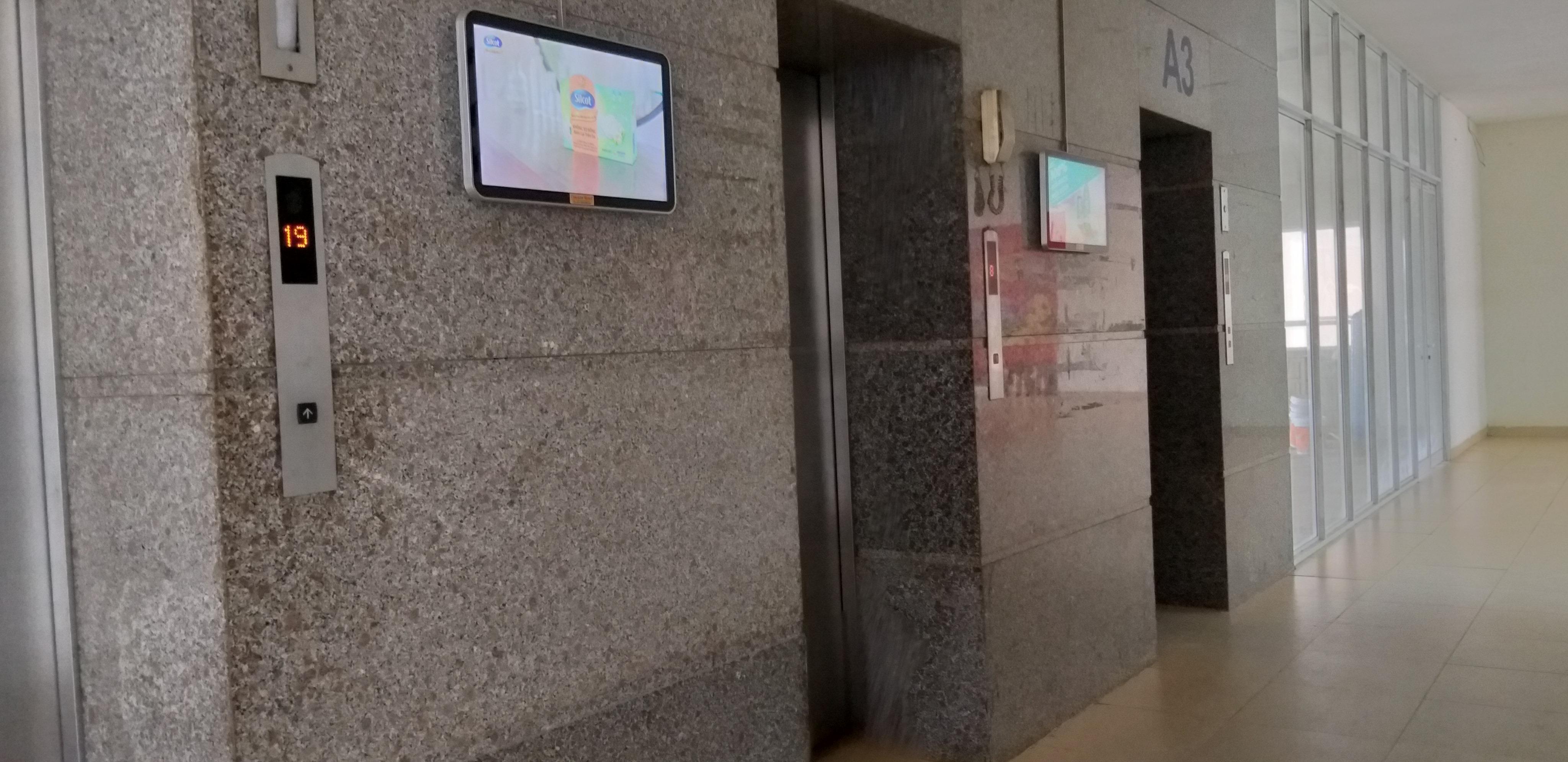 Phẫn nộ kẻ biến thái sờ mó bé gái 10 tuổi trong thang máy ở Hà Nội