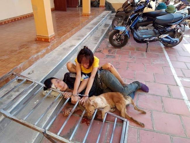 Bắt giữ đôi cẩu nam nữ đi xe máy trộm chó giữa ban ngày