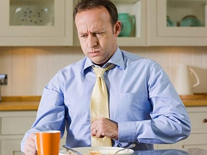 ăn không tiêu chướng bụng xuất hiện ở mọi lứa tuổi