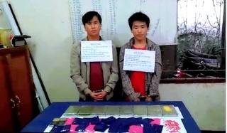 Bắt quả tang 2 đối tượng người Lào vận chuyển 8 bánh heroin, 6.000 viên ma túy