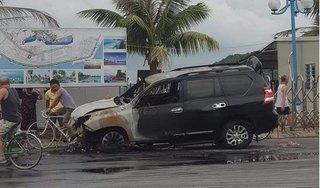 Quảng Ninh: Lái xe say rượu gây tai nạn, ô tô 2 tỷ bốc cháy dữ dội