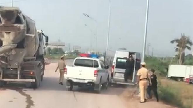 CSGT Bắc Giang bác tin nổ súng trấn áp xe khách bỏ chạy trên cao tốc